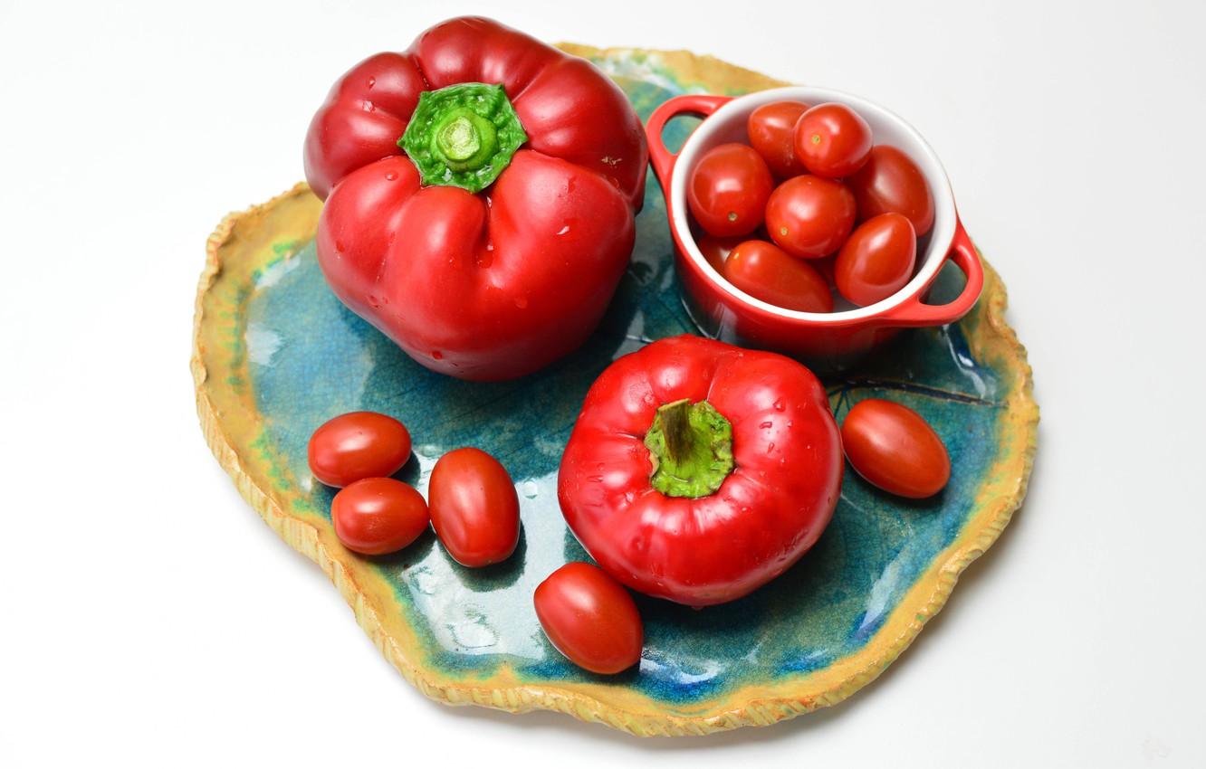 Photo wallpaper plate, pepper, tomatoes