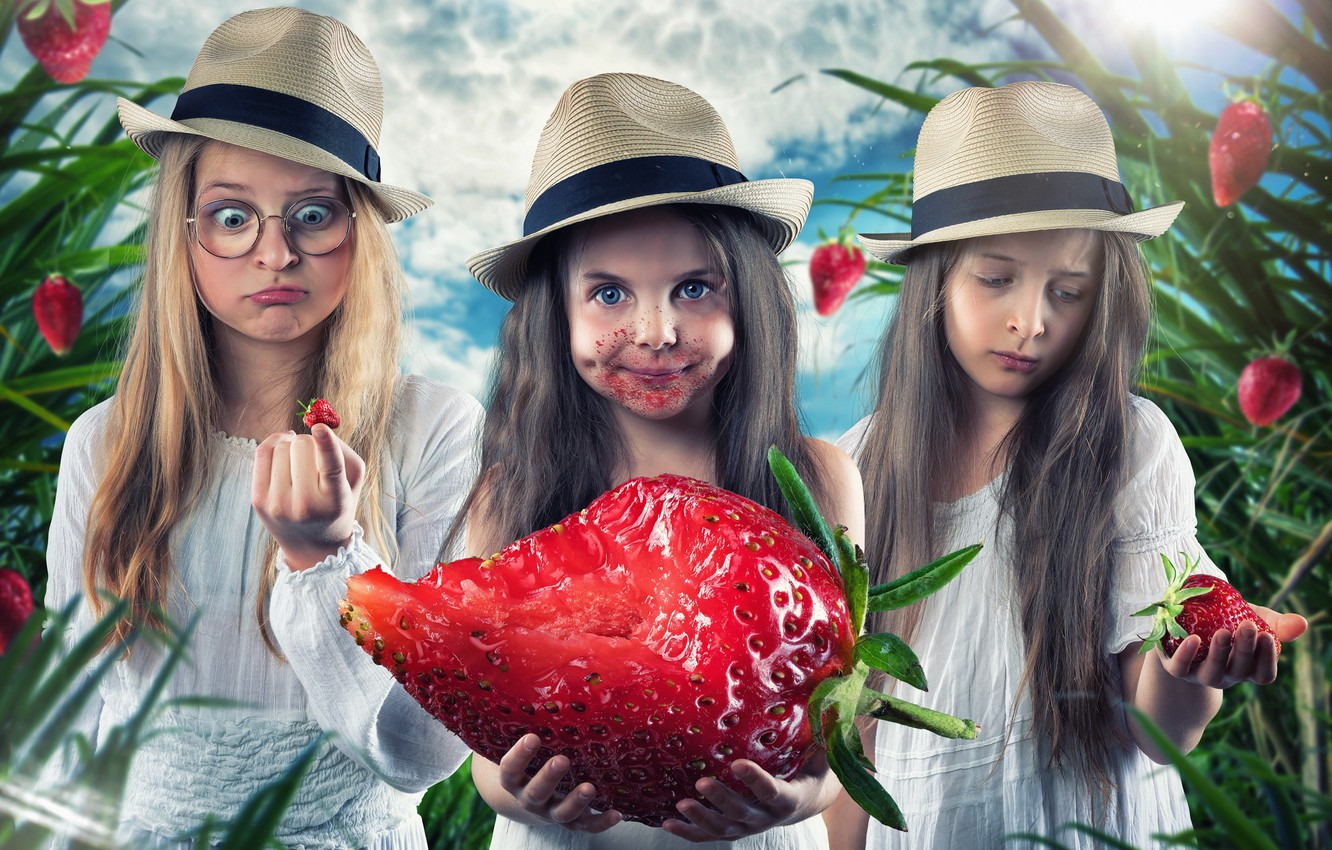 Photo wallpaper girls, strawberry, hats, Trinity, berry-giant