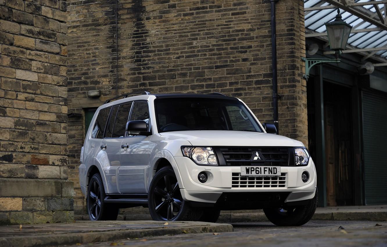 Photo wallpaper white, wall, border, Mitsubishi, 2012, Black, Pajero, SUV, Shogun, the five-door, Montero