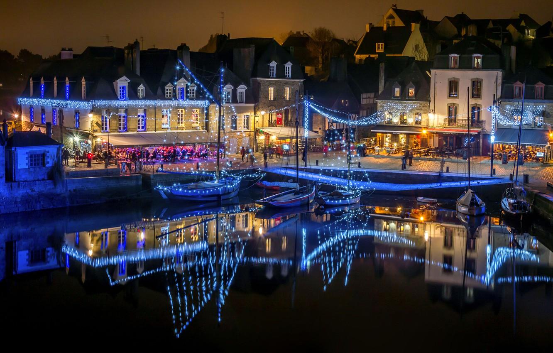 Photo wallpaper water, night, lights, reflection, France, home, boats, lights, garland, promenade, piers, Auray