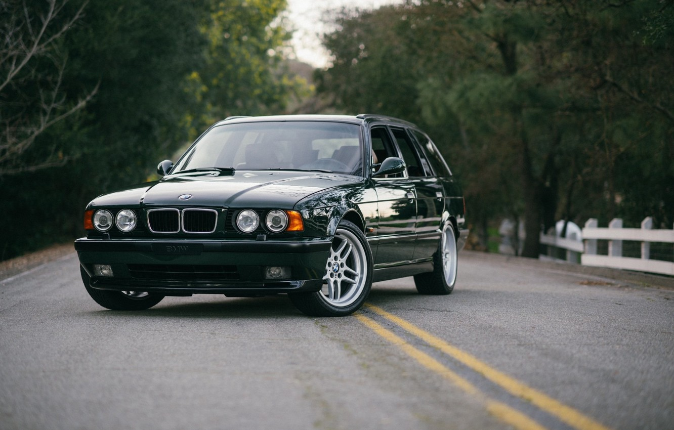 Photo wallpaper BMW, Classic, Legend, E34, Touring, M5