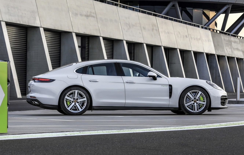 Photo wallpaper Porsche, Panamera, in profile, 2021, Panamera 4S E-Hybrid