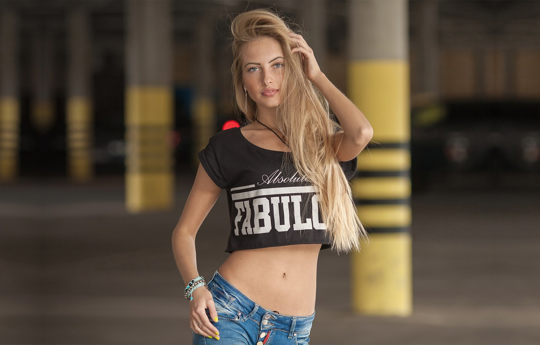Photo wallpaper girl, photo, photographer, blue eyes, model, bokeh, jeans, blonde, belly, t-shirt, tummy, hips, portrait, navel, …
