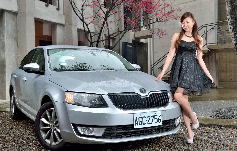 Wallpaper Auto Look Girls Asian Beautiful Girl Posing
