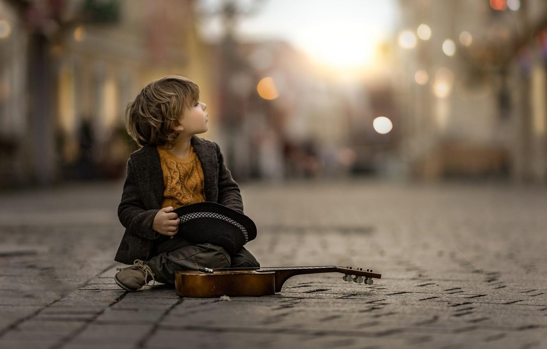 Photo wallpaper street, violin, boy