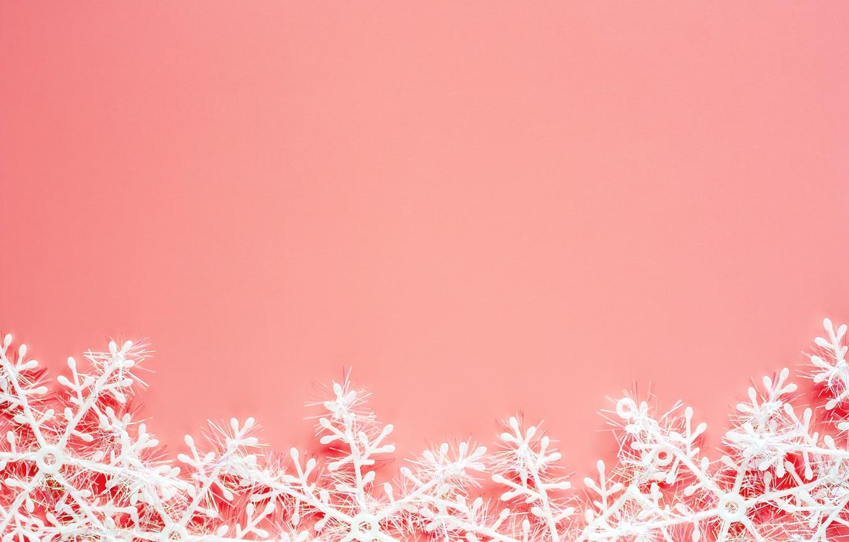 zima snezhinki fon rozovyi christmas pink winter background
