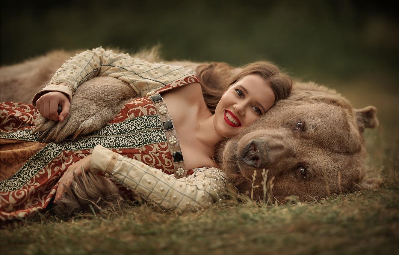 Photo wallpaper look, face, girl, smile, bear, hugs, Julia Kubar
