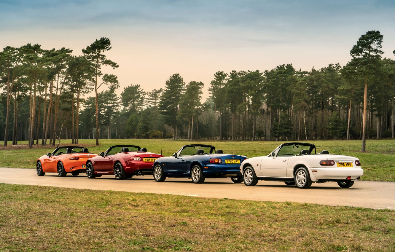 Photo wallpaper Mazda, MX-5, in a row, roadsters, four generations (NA-NB-NC-ND)
