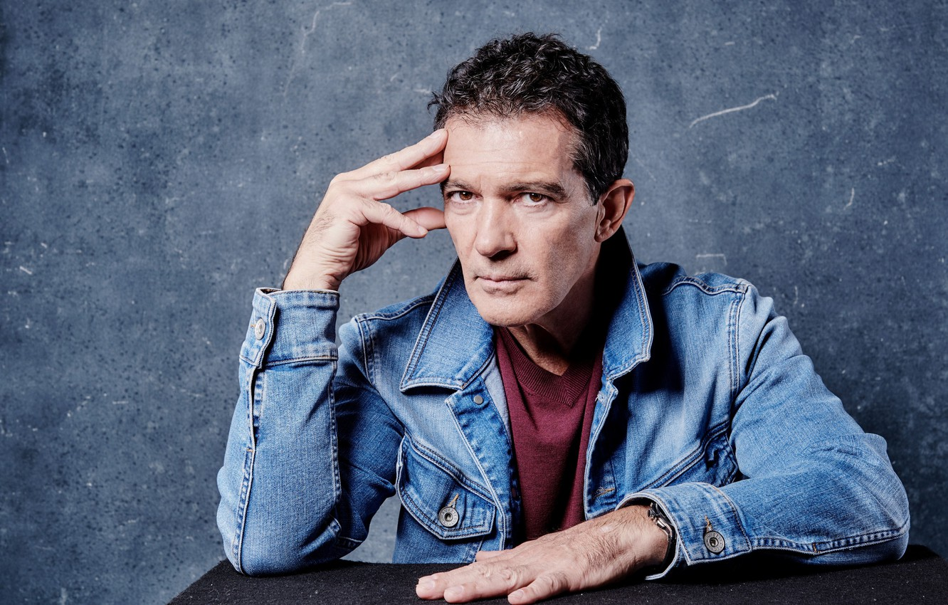 Photo wallpaper look, jacket, actor, Antonio Banderas, Antonio Banderas, pose