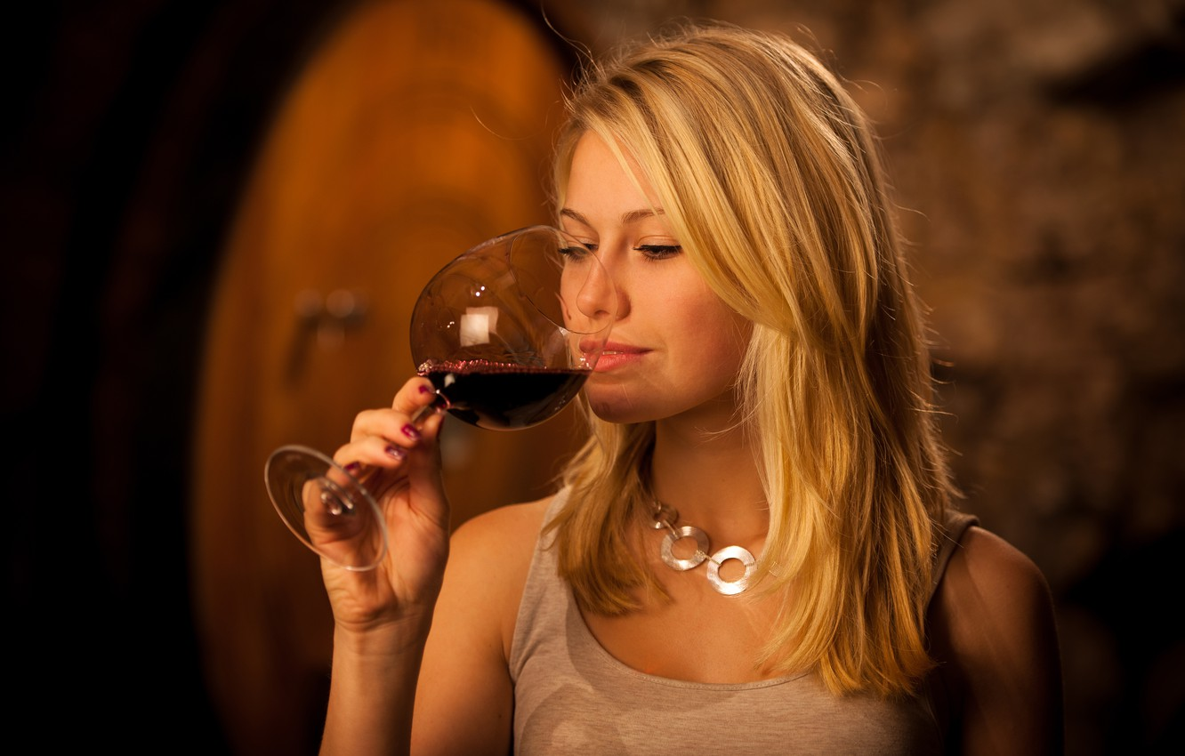 Photo wallpaper pose, wine, model, glass, hand, makeup, Mike, hairstyle, blonde, beauty, bokeh