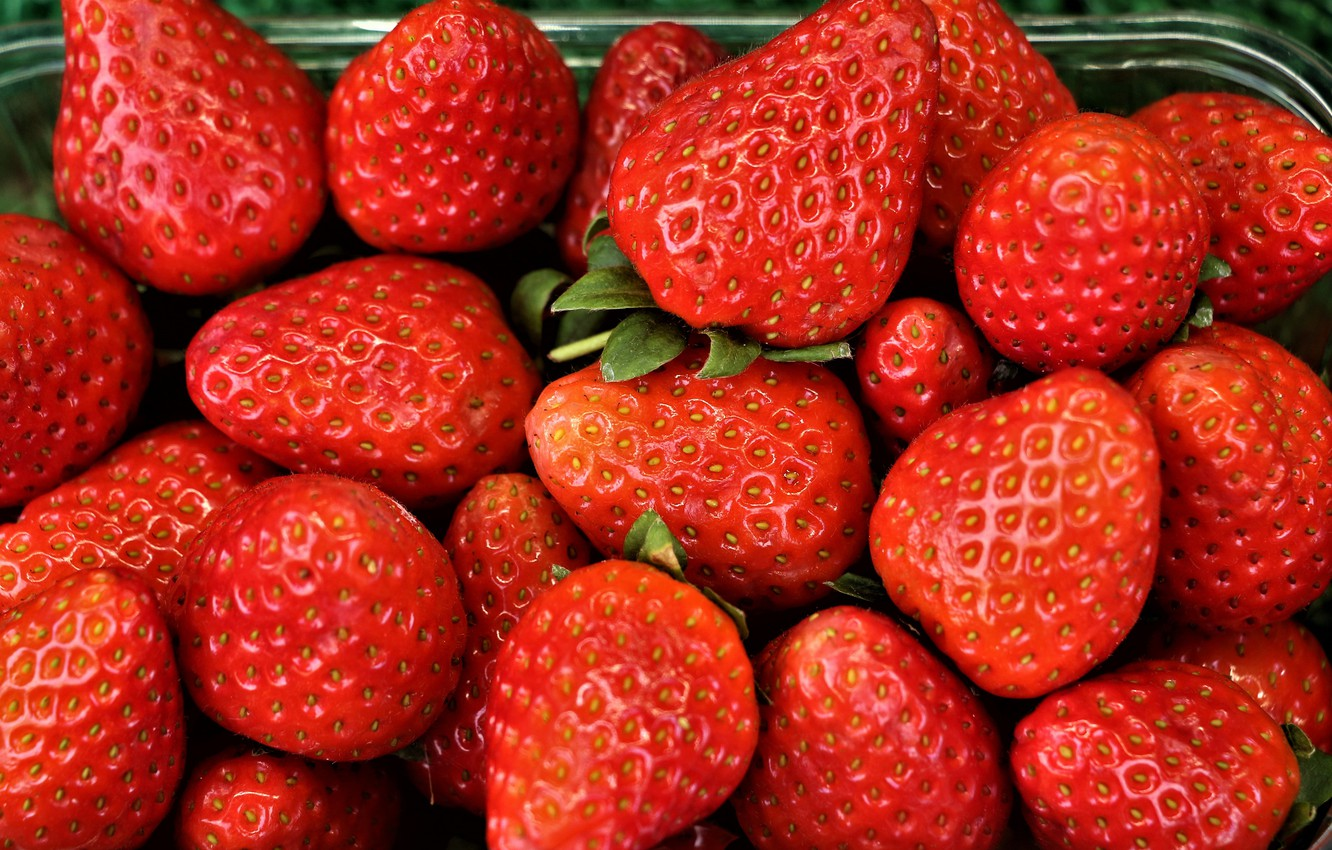 Photo wallpaper macro, berries, food, strawberry, red, a lot, ripe, in the container