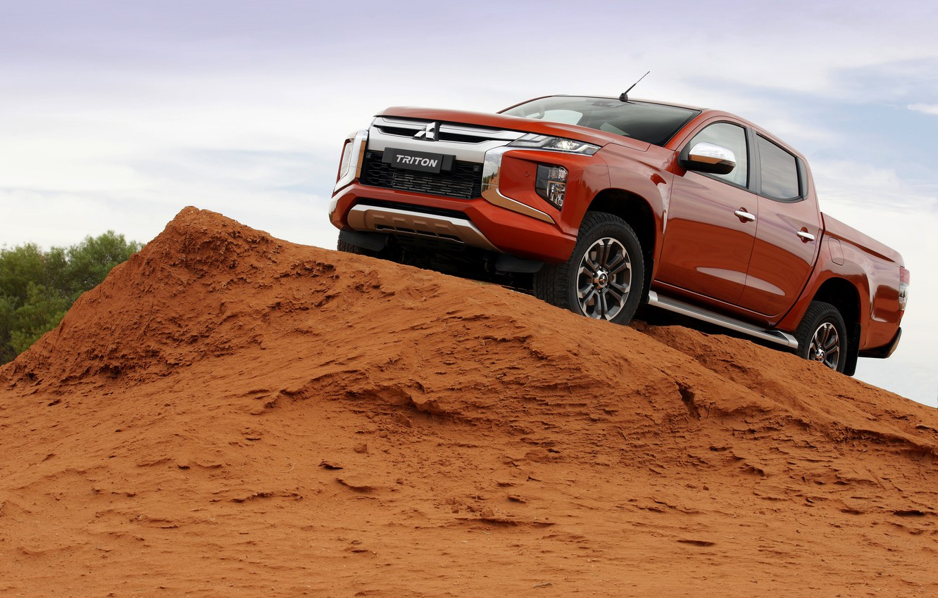 Photo wallpaper sand, the sky, Mitsubishi, pickup, Double Cab, L200, Triton, 2019