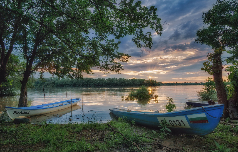 Photo wallpaper shore, boats, pond