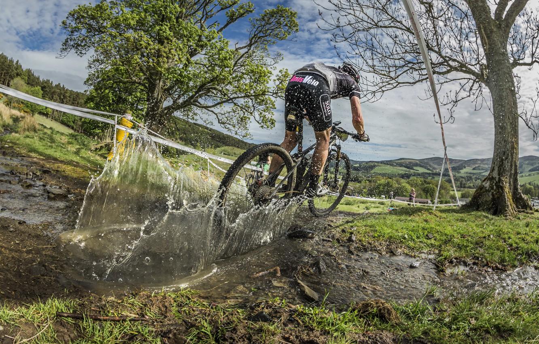 Photo wallpaper bike, race, sport, puddle