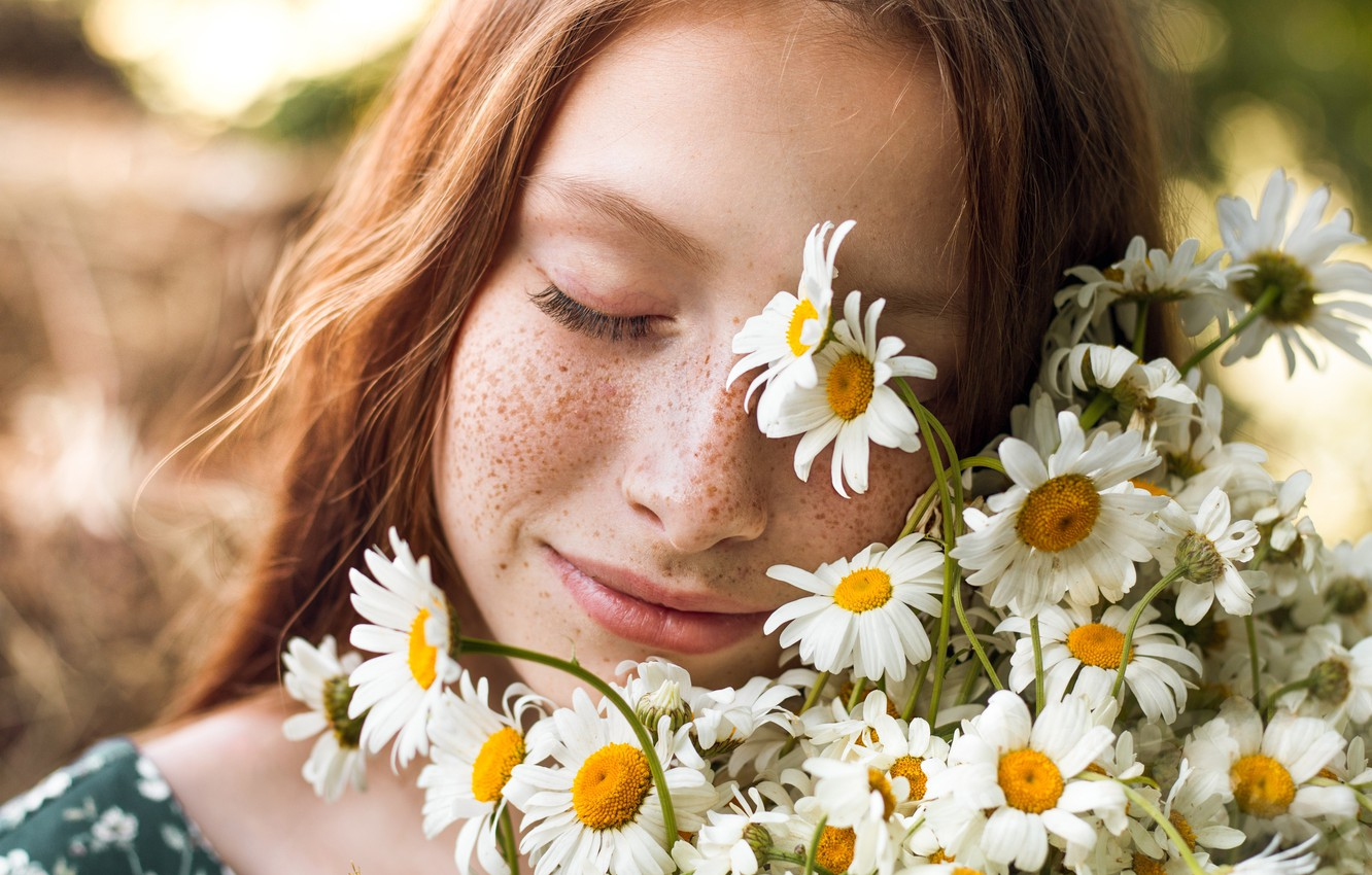 Photo wallpaper girl, flowers, face, mood, chamomile, freckles, red, redhead, closed eyes, freckled, Elina Garipova