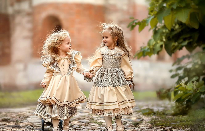 Photo wallpaper children, girls, track, girlfriend, Irina Nedyalkova
