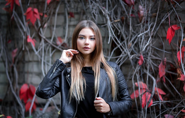 Photo wallpaper leaves, branches, pose, wall, portrait, makeup, jacket, hairstyle, brown hair, beauty, bokeh, kozhanka, Anna Shuvalova, …