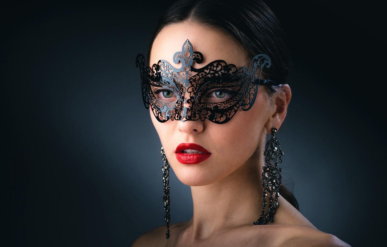 Photo wallpaper jewelry, bright makeup, beautiful face, charming girl, темно-зеленый фон, ажурная маска, кРАсивая брюнетка