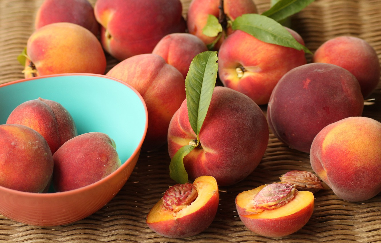 Photo wallpaper food, harvest, Cup, bowl, fruit, leaves, peaches, a lot, ripe, bowl