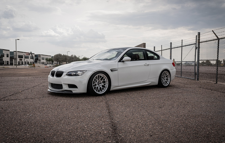 Photo wallpaper bmw, white, wheels, e92