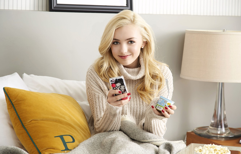 Photo wallpaper look, girl, pose, pillow, actress, blonde, phone, beautiful, Peyton List