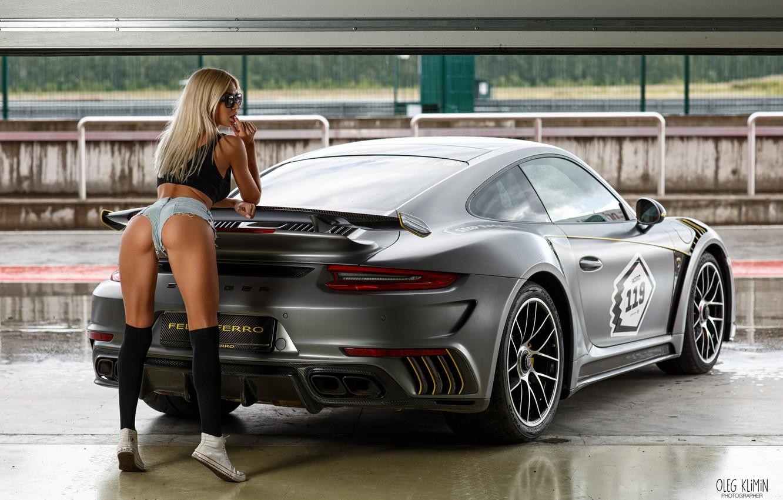 Photo wallpaper machine, auto, ass, ass, girl, pose, sneakers, figure, glasses, shorts, knee, Maria Grishina, Oleg Klimin, …