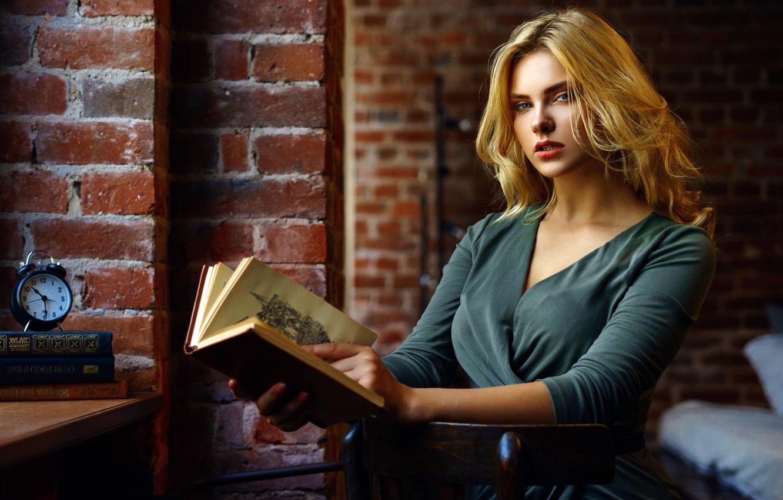 Photo wallpaper look, pose, wall, model, watch, bed, portrait, brick, makeup, dress, alarm clock, hairstyle, blonde, book, …