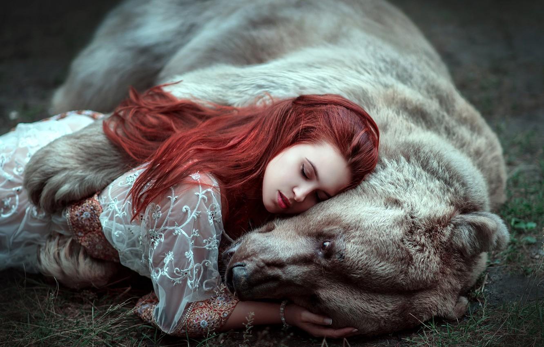 Photo wallpaper girl, face, hair, bear, bear, closed eyes, hugs, Maria Lipina