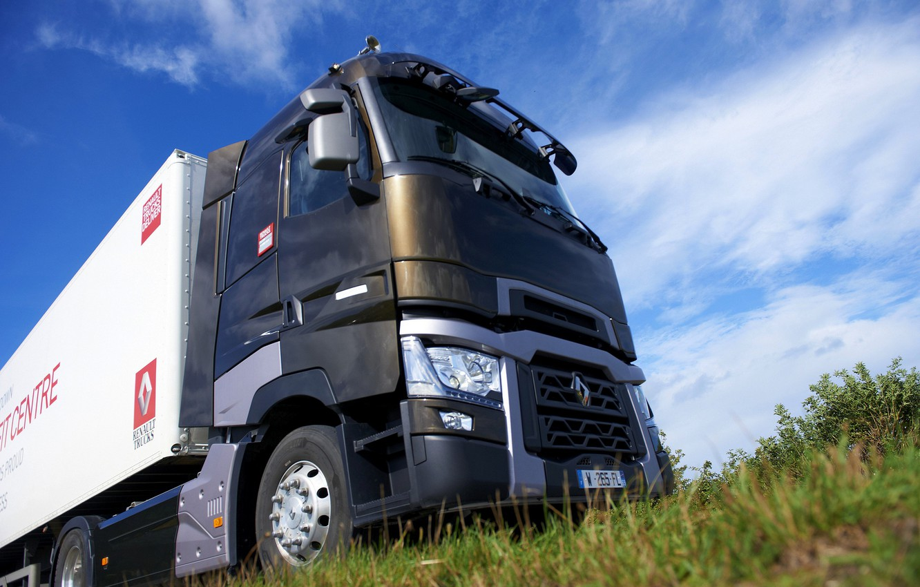 Photo wallpaper the sky, grass, truck, Renault, cabin, tractor, 4x2, the trailer, Renault Trucks, T-series