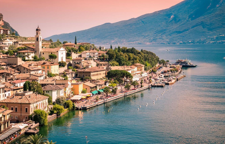 Photo wallpaper mountains, lake, home, Italy, Garda