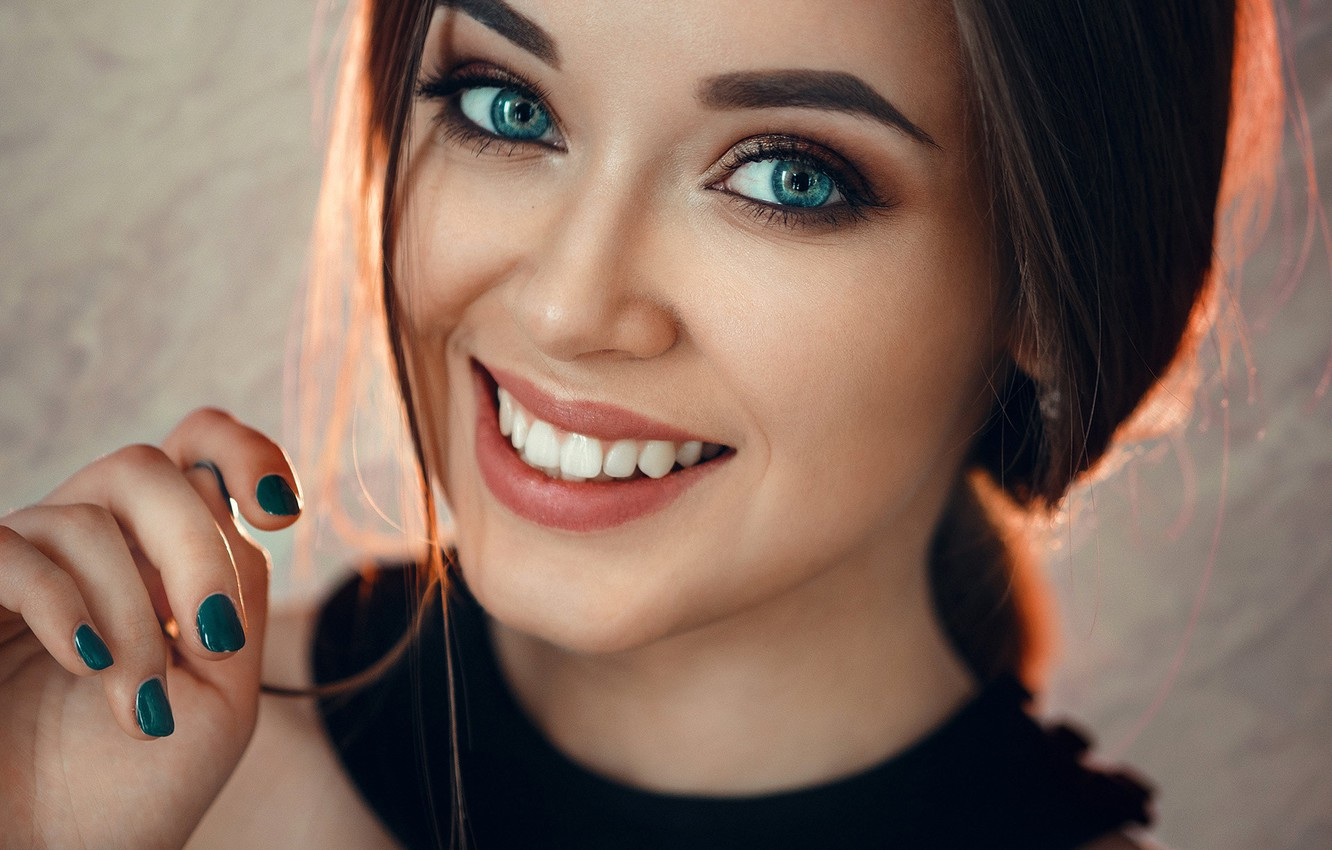 Photo wallpaper look, close-up, face, smile, model, hand, portrait, makeup, hairstyle, brown hair, beauty, bokeh, manicure, Evgeny …