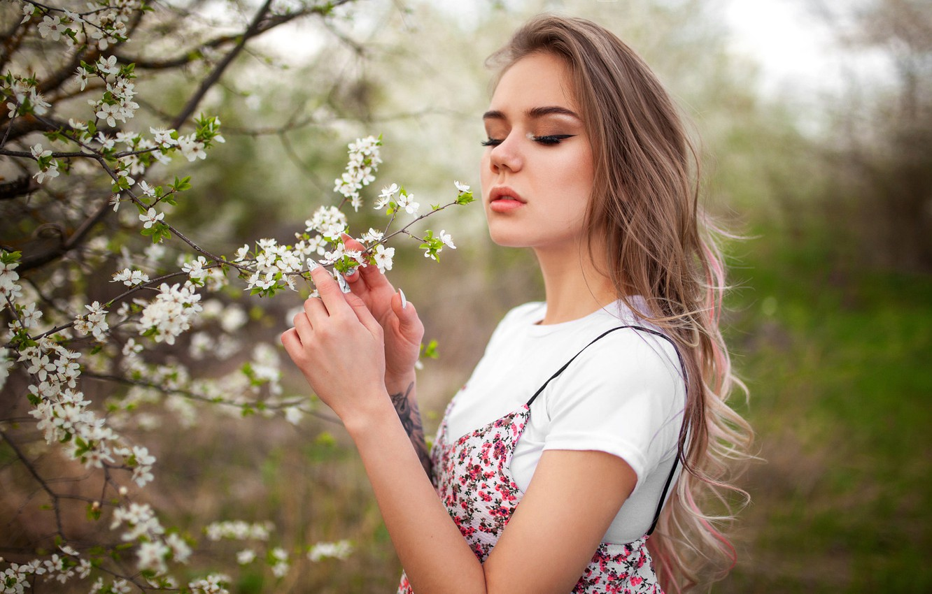 Photo wallpaper girl, branches, pose, model, portrait, spring, hands, makeup, garden, Mike, tattoo, hairstyle, is, flowers, Liza, …