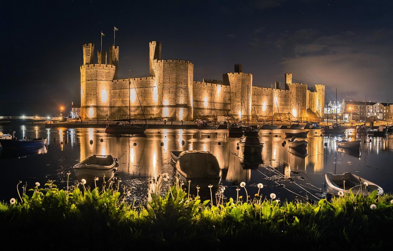 Photo wallpaper Wales, United Kingdom, Caernarfon, Dandelion Castle