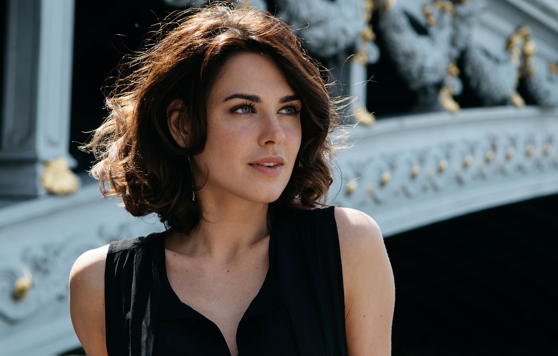 Photo wallpaper look, girl, actress, lips, beautiful, Irina Antonenko