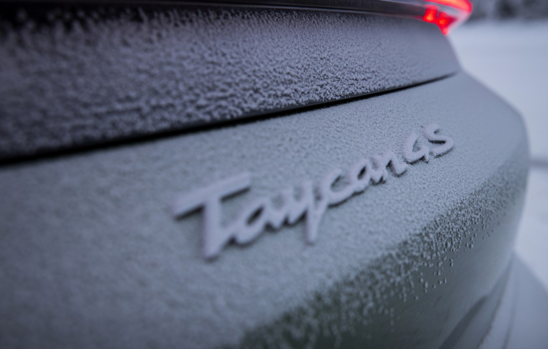 Photo wallpaper snow, Porsche, green, 2020, Taycan, Taycan 4S, adhering