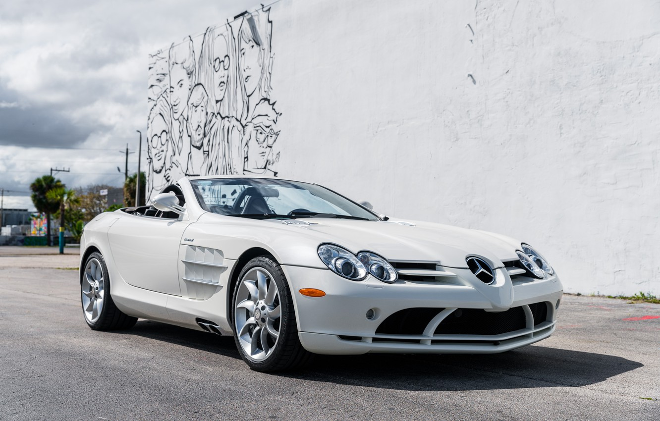 Photo wallpaper Roadster, White, Graffiti, 2009, Mercedes-Benz SLR McLaren