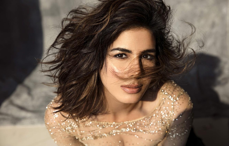 Photo wallpaper girl, eyes, smile, model, beauty, lips, face, hair, indian, actress, bollywood, Kirti kulhari