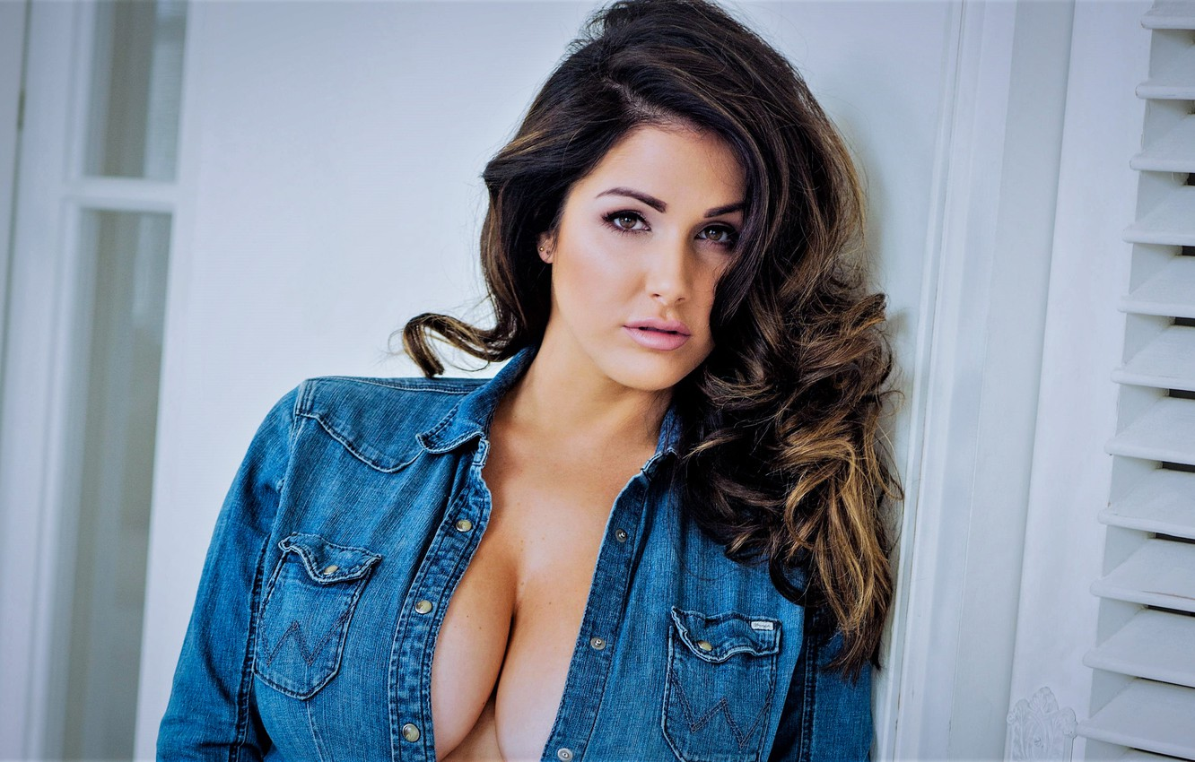 Wallpaper Model Girl Lucy Pinder Big Breasts Looking At