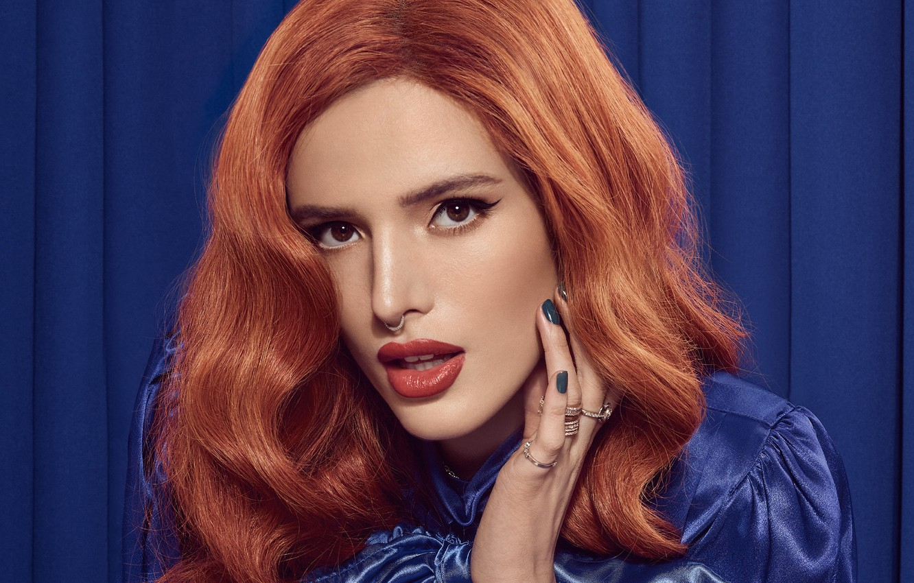 Photo wallpaper look, girl, arrows, ring, red, Bella Thorne