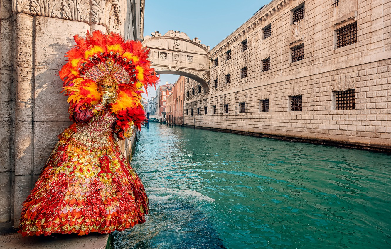 Photo wallpaper girl, style, feathers, dress, mask, Italy, Venice, carnival, Palace channel, The Bridge Of Sighs, carnival …