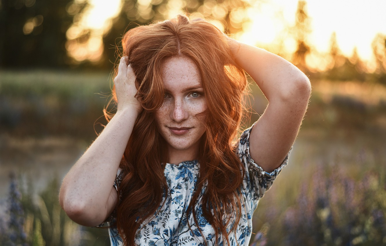Photo wallpaper look, girl, face, hair, portrait, hands, freckles, red, redhead, freckled