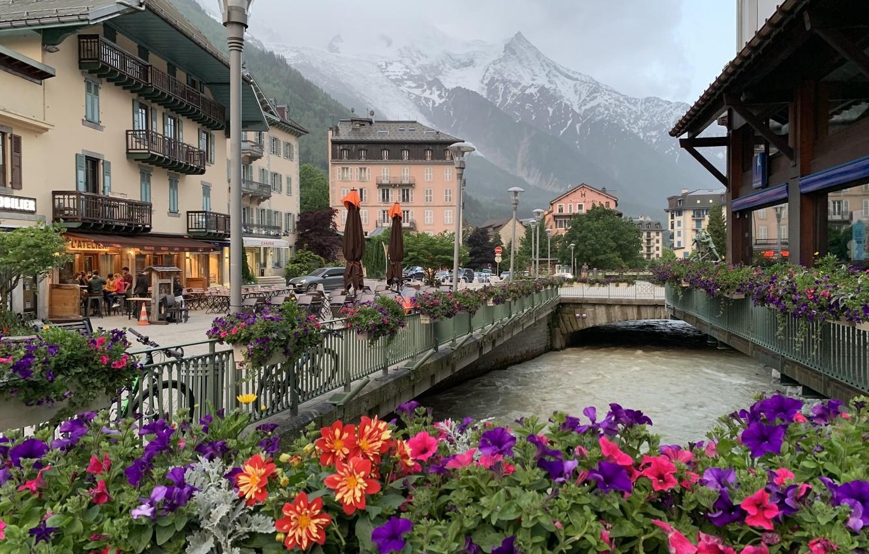 Photo wallpaper flowers, street, France, home, Alps, resort, Chamonix