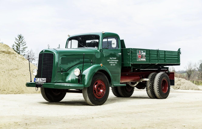 Photo wallpaper sand, Mercedes-Benz, truck, green, dump truck, bonnet, biaxial, L-series, самосвал с трёхсторонней разгрузкой, LK 315 …