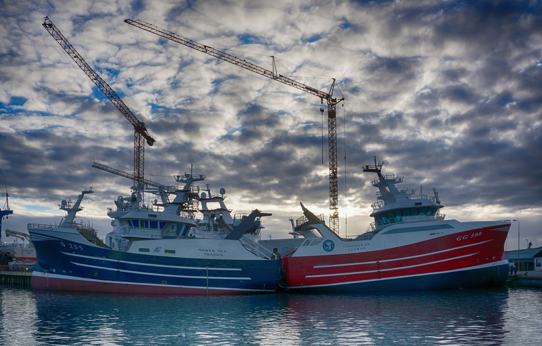 Photo wallpaper the sky, clouds, pier, port, cranes, fishing vessel, Траулер