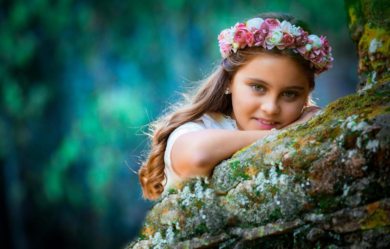 Photo wallpaper look, flowers, face, smile, mood, girl, wreath, curls