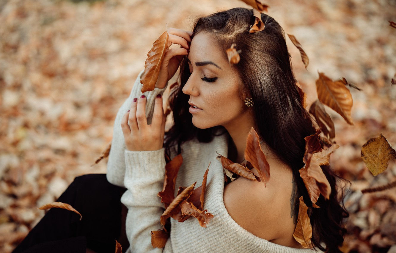 Photo wallpaper autumn, leaves, girl, face, pose, mood, hair, hands, shoulder, closed eyes, Andreas-Joachim Lins, Jaqueline Dube