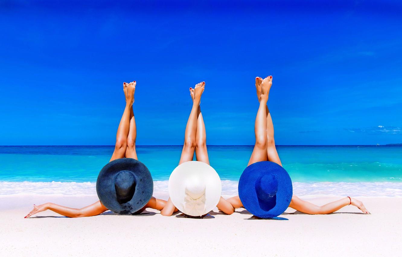 Photo wallpaper sea, beach, summer, feet, hat, lies, three
