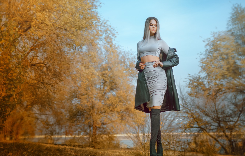 Photo wallpaper autumn, leaves, water, trees, model, skirt, Girl, figure, blonde, Alexander Drobkov-Light, Carina Carina