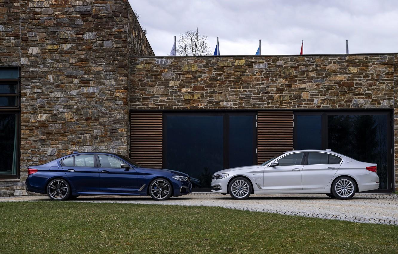 Photo wallpaper white, house, lawn, BMW, profile, hybrid, 5, dark blue, 2017, 5-series, G30, sedans, M550i xDrive, …