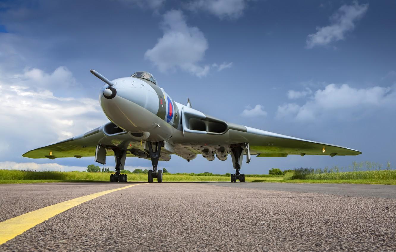 Photo wallpaper The plane, Bomber, RAF, Royal air force, Avro Vulcan, Avro, Chassis, Vulcan, V-bomber, Avro Vulcan …